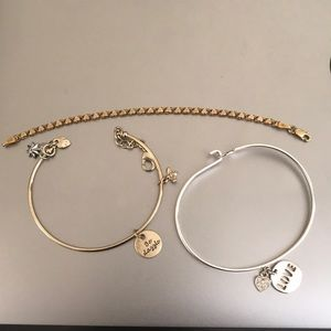 Other - BRACELET BUNDLE